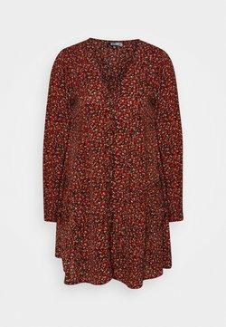 Missguided - BUTTON THRU SMOCK DRESS FLORA - Freizeitkleid - red
