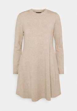 Pieces - PCGILAYA O NECK DRESS - Vestido de punto - warm taupe
