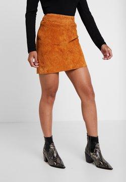 Noisy May Petite - NMWREN SKIRT - Mini skirt - sudan brown