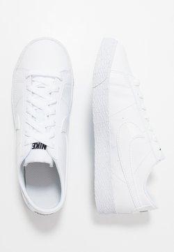 Nike Sportswear - BLAZER - Sneakersy niskie - white/black