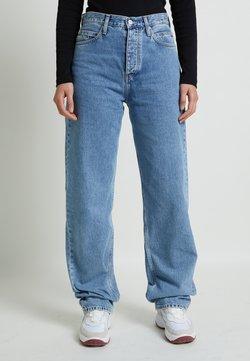 Calvin Klein Jeans - Jeansy Straight Leg - denim medium