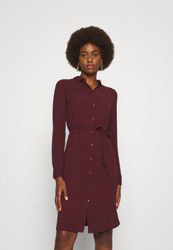 Vero Moda Tall - VMSAGA DRESS - Skjortekjole - port royale