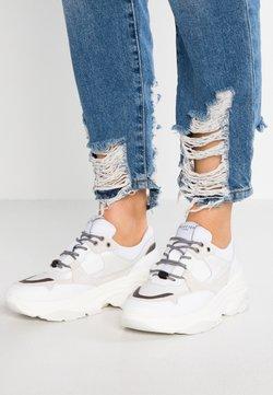 Selected Femme - SLFGAVINA TRAINER - Sneakers laag - white