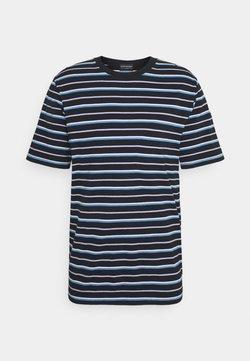 Scotch & Soda - CLASSIC PATTERNED CREWNECK - T-Shirt print - dark blue/blue