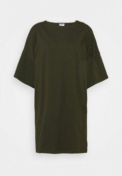 Noisy May Petite - SHORT DRESS PETITE - Vestido ligero - rosin