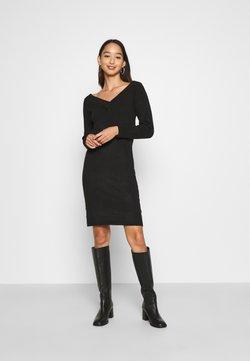 Vila - VIELLA VNECK DRESS - Gebreide jurk - black