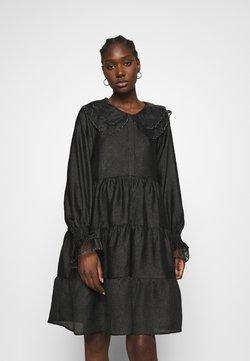 Cras - LENACRAS DRESS - Cocktailkleid/festliches Kleid - black