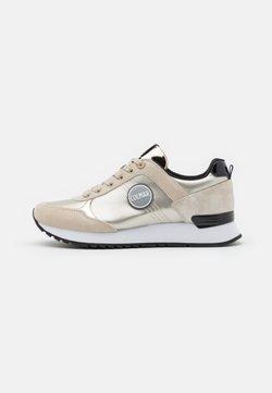 Colmar Originals - TRAVIS PUNK - Sneakers - gold