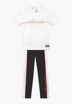 adidas Originals - TEE SET - Leggings - white