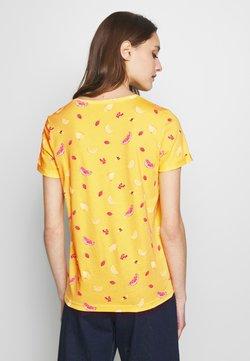 TOM TAILOR - CREW NECK - Camiseta estampada - yellow