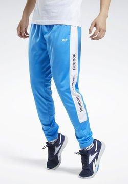 Reebok - TRAINING ESSENTIALS TRACK JOGGERS - Jogginghose - blue