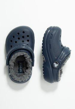 Crocs - CLASSIC LINED - Muiltjes - navy/charcoal
