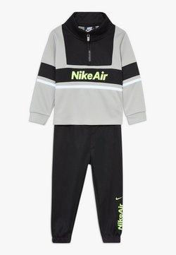 Nike Sportswear - AIR JOGGER SET BABY - Trainingspak - black