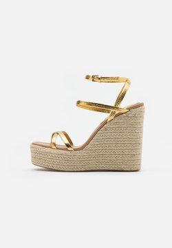 Topshop - WILLA WEDGE - Sandalen met hoge hak - gold