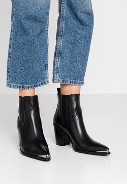 San Marina - AGUEDA - Korte laarzen - black
