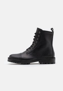 Selected Homme - SLHRICKY HIGH TOE CAP BOOT - Schnürstiefelette - black