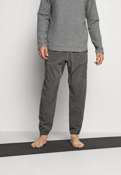Nike Performance - PANT YOGA PINNACLE - Jogginghose - anthracite/gray