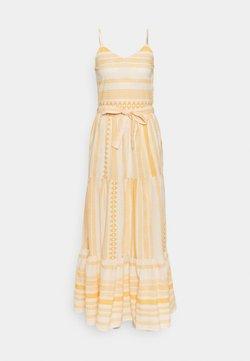 Vero Moda Tall - VMDICTHE SINGLET ANCLE DRESS - Maxikleid - birch/new dicthe/saffron