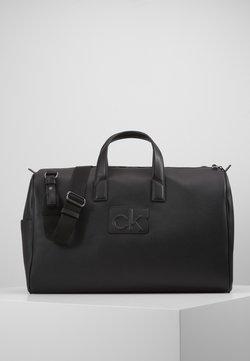 Calvin Klein - CENTRAL WEEKENDER - Viikonloppukassi - black