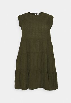 Vero Moda Curve - VMPOLITE DRESS - Freizeitkleid - ivy green