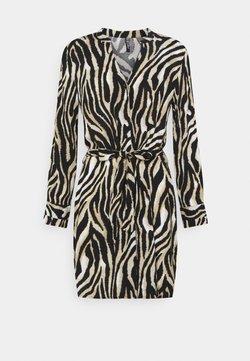 Pieces Petite - PCZENA DRESS - Blusenkleid - black
