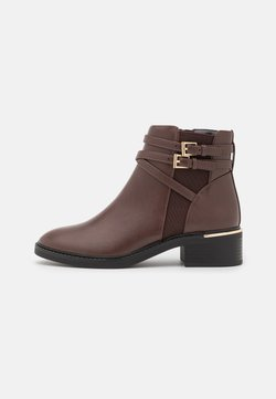 Dorothy Perkins - MINKIE MULTISTRAP CLIP CHELSEA - Ankle Boot - choc