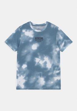 Jack & Jones Junior - JORBLURRY PLACE TEE CREW NECK JR - T-shirt print - blue heaven