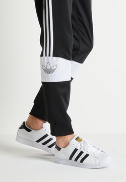 adidas Originals - SUPERSTAR - Sneaker low - footwear white/core black