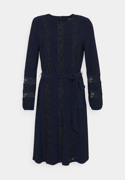 Lauren Ralph Lauren - MID WEIGHT DRESS COMBO - Vestido de cóctel - lighthouse navy