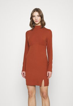 Glamorous - LONG SLEEVE DRESS - Vestido de tubo - rust