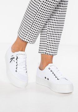 Calvin Klein Jeans - ZOLAH - Sneakers laag - white
