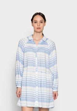 Kaffe - KASILLA SHIRT DRESS - Blusenkleid - forever blue/chalk