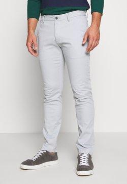 IZOD - SALTWATER - Chinot - light grey