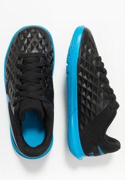 Nike Performance - TIEMPO JR LEGEND 8 CLUB IC UNISEX - Fotbollsskor inomhusskor - black/blue hero