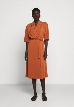 By Malene Birger - IVESIA - Jerseyklänning - brick