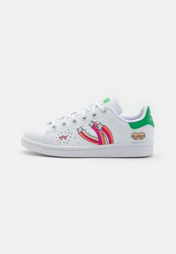 adidas Originals - STAN SMITH UNISEX - Sneakers laag - footwear white/vivid green