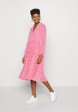Tommy Jeans - FLORAL MIDI SHIRT DRESS - Freizeitkleid - floral/glamour pink