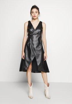 Lost Ink Petite - WRAP DRESS - Robe d'été - black