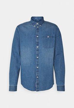 Pier One - DENIM SHIRT - Camisa - blue denim