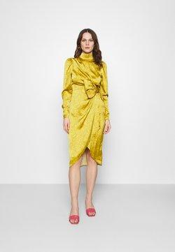 Who What Wear - DRAPED BOW MIDI DRESS - Cocktailkleid/festliches Kleid - mustard