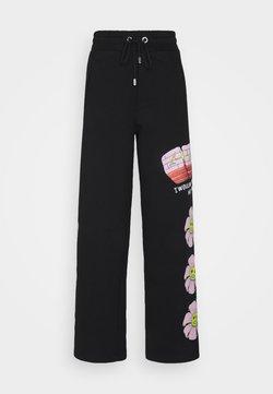 GCDS - FLOWER COLLEGE PANTS - Jogginghose - black