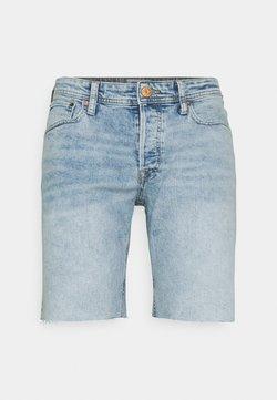 Jack & Jones - JJIRICK JJORIGINAL CUT OFF - Denim shorts - blue denim