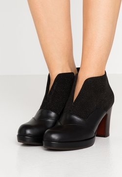 Chie Mihara - JUDEL - Ankle Boot - black