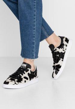 adidas Originals - STAN SMITH  - Sneaker low - core black/clear brwon/vivid pink