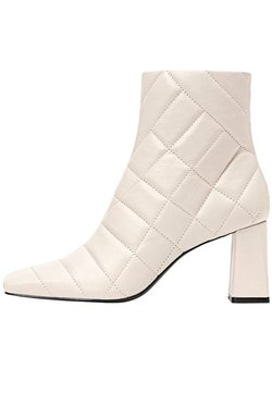 Stradivarius - Ankle Boot - off-white