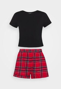 Missguided - CROP TEE AND SHORTS SET - Pyjama - red