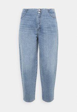 Vero Moda Curve - VMIDA BARREL CUTLINE - Jeans Relaxed Fit - light blue denim