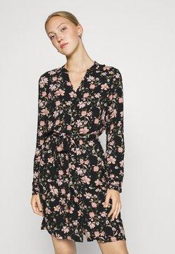 Pieces - PCCARLY SHIRT DRESS - Korte jurk - black