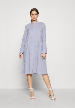 Mads Nørgaard - DUPINA - Freizeitkleid - light blue/white