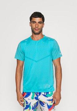 Nike Performance - RISE - T-shirt imprimé - chlorine blue